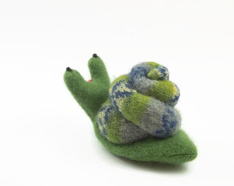 Garden Snail, Plush wool toy, eco friendly toy, all natutral toy, waldorf toy, stuffed toy