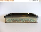 ON SALE Vintage Pyrex Rectangle Caserole Dish and metal server