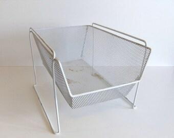 ON SALE Vintage storage wire basket