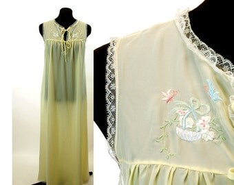Vintage nightgown pastel yellow hand embroidered long gown Corhan Noumair Size M