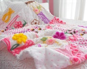 GORGEOUS SNUGGLY CUPCAKE Vintage Chenille Patchwork Baby Quilt Collectible Size