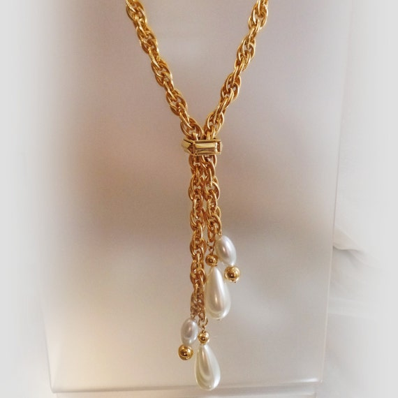Vintage pearl necklace rope