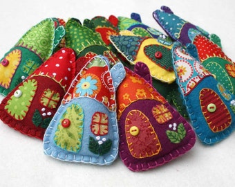 Felt Christmas ornaments, Handmade felt houses, Colourful patchwork houses, Felt house Christmas ornaments, Miniature houses, Felt cottages