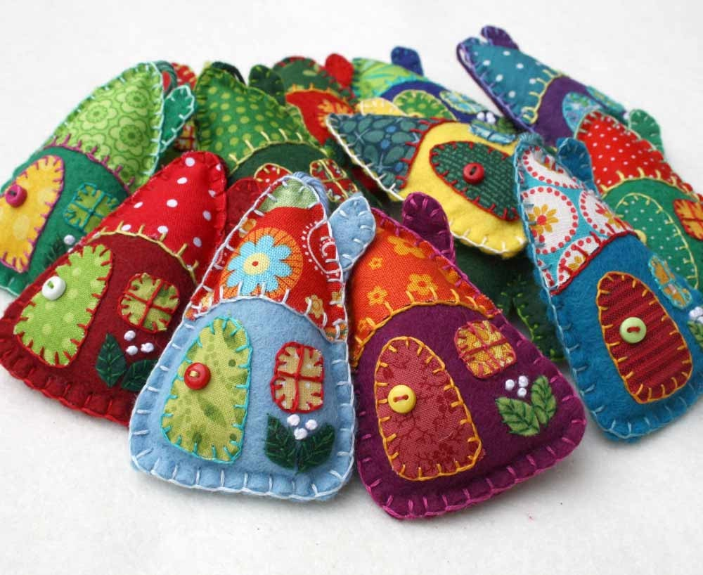 Christmas felt ornaments - Felt Christmas Ornaments Handmade Felt Houses Colourful Patchwork Houses Felt House Christmas Ornaments