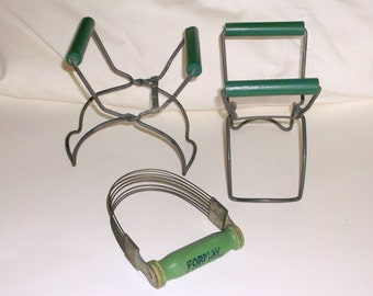 Vintage green handle Kitchen Tools • Lot of 3 pieces