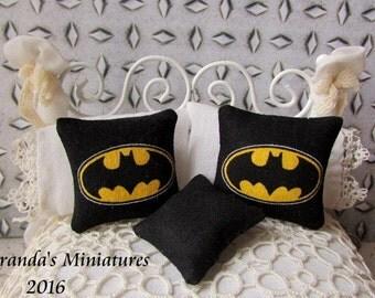 Dollhouse Miniature ooak boys room Batman pillow set roombox dioramas