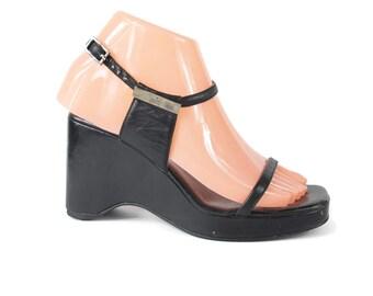30% OFF SALE 90s GUCCI Heels Platform Sandals Designer Black Wedges Minimalist Ankle Strap Black Platforms Strappy Chunky Sandals (Size 5.5)