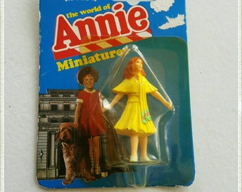 Grace from Orphan Annie the Movie Miniature Toy