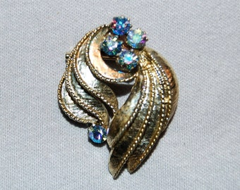 Vintage / Brooch / Rhinestone / Aurora Borealis / Collectible / old jewelry jewellery