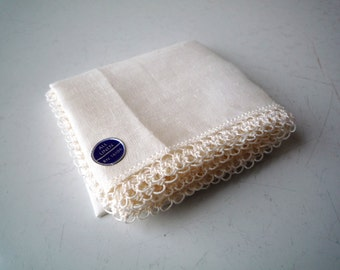 NWT Vintage Linen Hankie with Hairpin Lace Crochet Edge / Something Old / Vintage Wedding Hankie / SALE