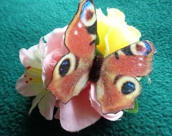 Handmade Inashi butterfly floral hairclip