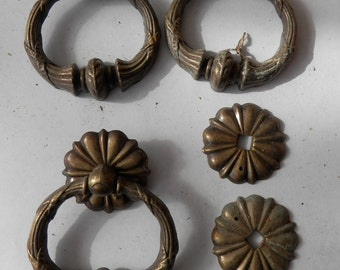 1 antique brass ring pull