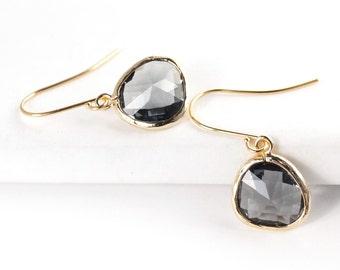 Short Glass Briolette Earrings - Gold