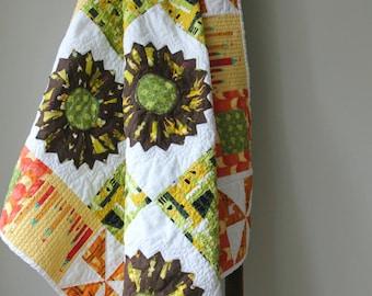Modern Quilt, Throw blanket, Bedding, Children Quilt, Lap Quilt, Dresden Plate, Lizzy House, Castle Peeps, Handmade Quilt
