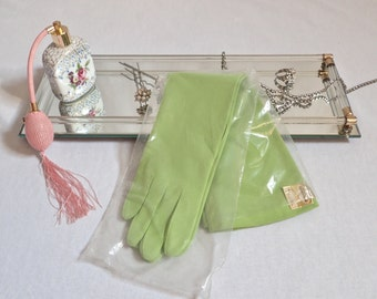 """NWT Mod Vintage 1960's Lime Green Gloves-Mint Elbow Length """"FINALE"""" Nylon Gloves-One Size Fits All"""