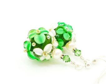 Green White Floral Earrings, Green Earrings, Lampwork Earrings, Glass Bead Earrings, Glass Earrings, Dangle Earrings, Beadwork Earring