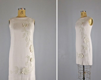 Vintage 1960s Dress l 60s 3-D Embroidered Dress