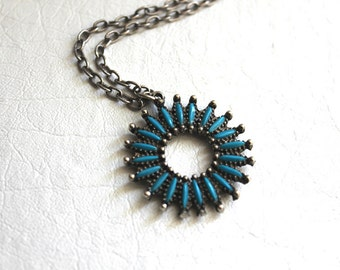 vintage teal and silver sunburst pendant necklace / faux turquoise, southwestern jewelry