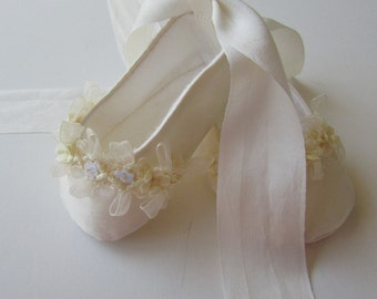 Baby Girl Shoes . Christening Shoes .  Ivory Silk Slippers with Lace and Flower Trim . Ballet Flats . Baptism Blessing Dedication