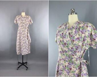 Vintage 1940s Dress / 40s Feedsack Cotton Dress / House Dress / Floral Print Wrap Dress