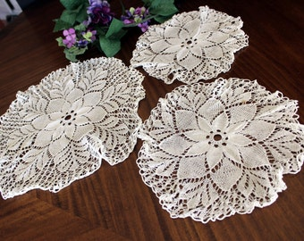 3 Knitted Doilies in Crisp White, Vintage Linens Circular Matching Doily Lot 13693