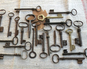 22 large antique keys - french ornate keys - genuine old brass and iron keys - vintage skeleton keys (T-17).