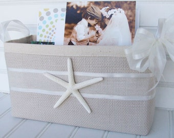 Beach wedding basket with starfish and lace for cards and photos