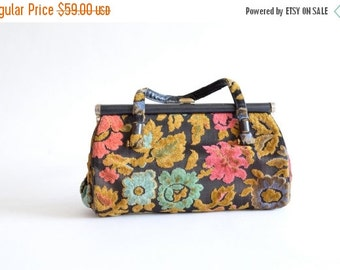 30% OFF STOREWIDE / Vintage 1960s CARPET handbag