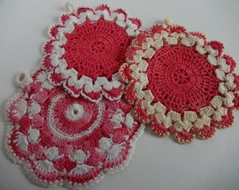 Vintage Pot Holders Crochet Pink Set of 3 Cottage Farmhouse Kitsch Kitchen Decor