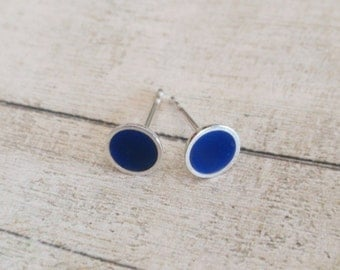 Tiny blue earrings, tiny sterling silver stud earrings with blue enamel, round silver stud earrings, blue enamel stud earrings