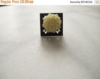 SHOP CLOSING SALE Antiqued Ring with White flower victorian era edwardian steampunk multi size adjustable