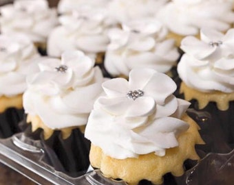 Sugar flowers LOT of 50 in  WHITE center royal icing flowers