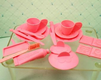 Vintage Toy Doll Dishes Pink Plastic Mattel 1970 USA Barbie