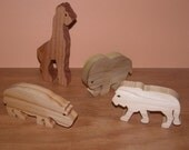 Toy Animals - 4 Wooden Animals -  Child's Decor and  Imagination - Kids Toys - Safari Set