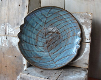 Stoneware Serving Platter with Leaf Design