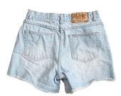 BLOWOUT 40% off sale Vintage 90s Moda Intl London Jean Denim Shorts Women M - mid rise, cut offs