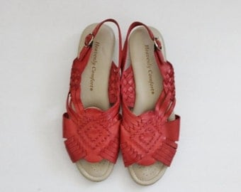 50% half off sale // Vintage 80s Red Woven Leather Huarache Flat Sandals // Women 8M // Heavenly Comfort