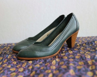 Lewis and Clark Green Pumps with Wooden High Cone Heel