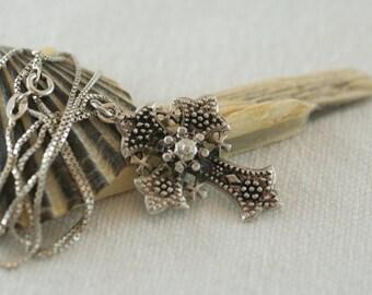Vintage Sterling Silver Bethlehem Intricate Design Detailed Cross  .....6059