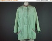 40% OFF 50s Short Robe Bed Jacket Vintage 1950s Evelyn Pearson Lounge Wear Quilted Mint Green Embroidered Swing Short XL