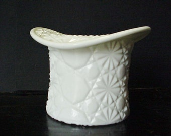 White Milk Glass Top Hat Candy Dish Serving Bowl Home and Garden Kitchen and Dining Serve Ware Tableware Bowl