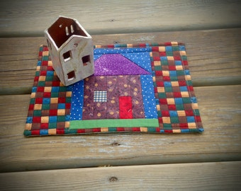 Mini Quilted Mug Rug, Tiny House mug rug, Lg. Coaster