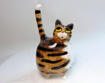 Brown Tabby Cat Ring Holder - Ceramic Figurine Ring Holder - Cat Figurine - Gray Striped Tabby - Pottery Cat Sculpture - Cat Toy Holder