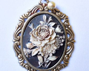 Victorian Floral Cameo Necklace, Cameo Necklace, Black and Ivory Cameo, Cameo Pendant,