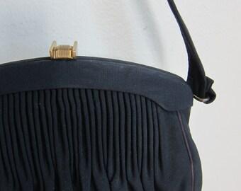 Vintage 1940s 1950s Black Pleated Handbag Art Deco Clasp / 40s 50s Garay Rayon Faille Purse Pocketbook
