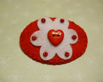 Felt Heart Hair Clip in Red and White, Valentines Day Accessories, Valentines Hair Fashion