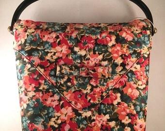 Vintage Floral Handbag with Plastic Handles