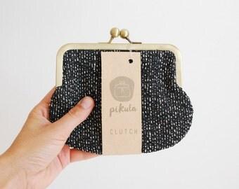 small kisslock purse. coin purse. small bag. cute purse. clutch purse. black and white. vegan