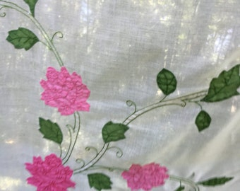 Vintage Tablecloth / Pink rose Tablecloth , pink and white tablecloth,