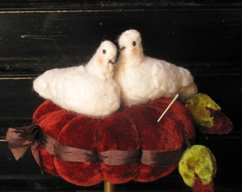 Feather Your Nest Pincushion Clamp KIT by cheswickcompany